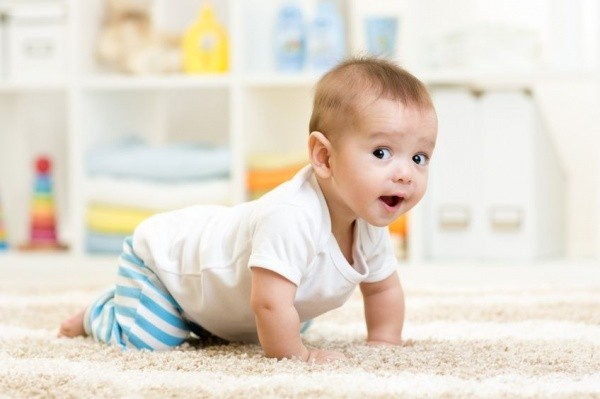 Things to Know When Babies Start Crawling